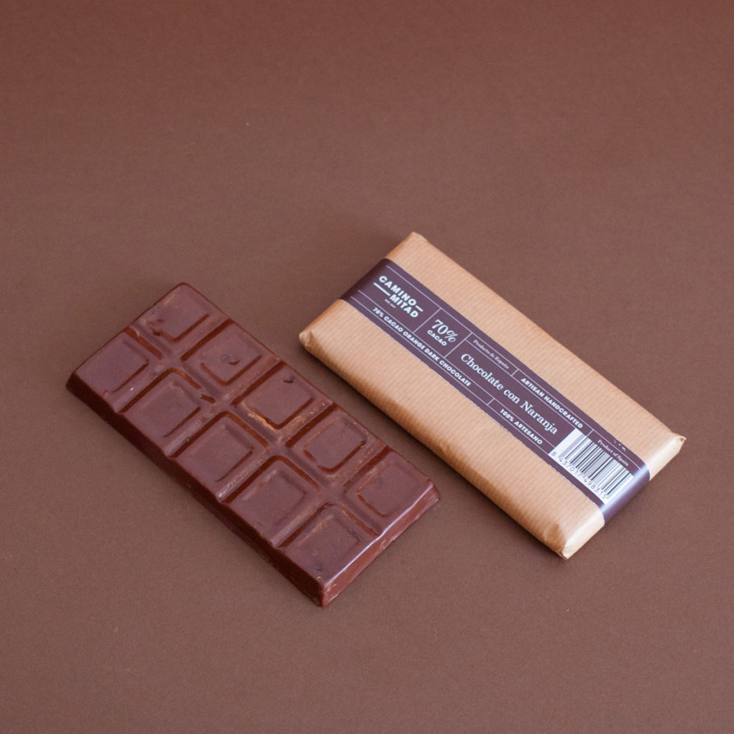 Barra de chocolate artesano con naranja