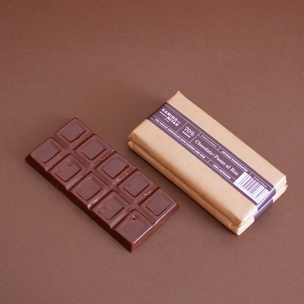 Handcrafted Chocolate with Rum and Raisins bar